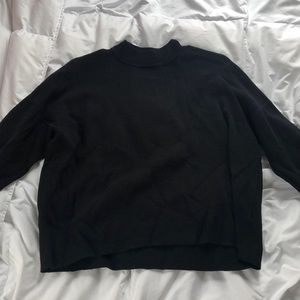 Low Turtle Neck Cropped Sweater